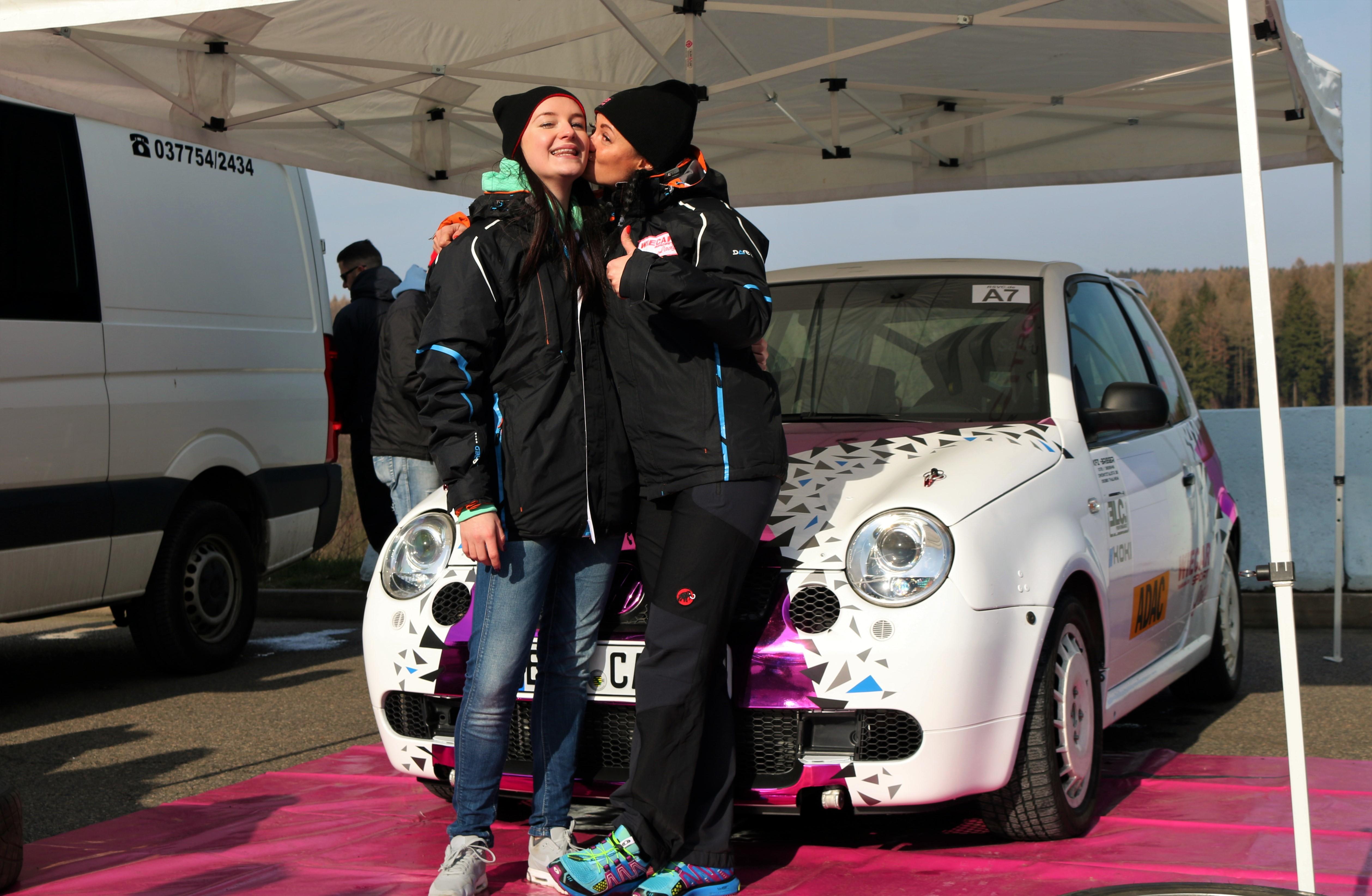 Tina Wiegand und Monique Voigt zur Rallye Show am Sachsenring ©Roman Pfüller