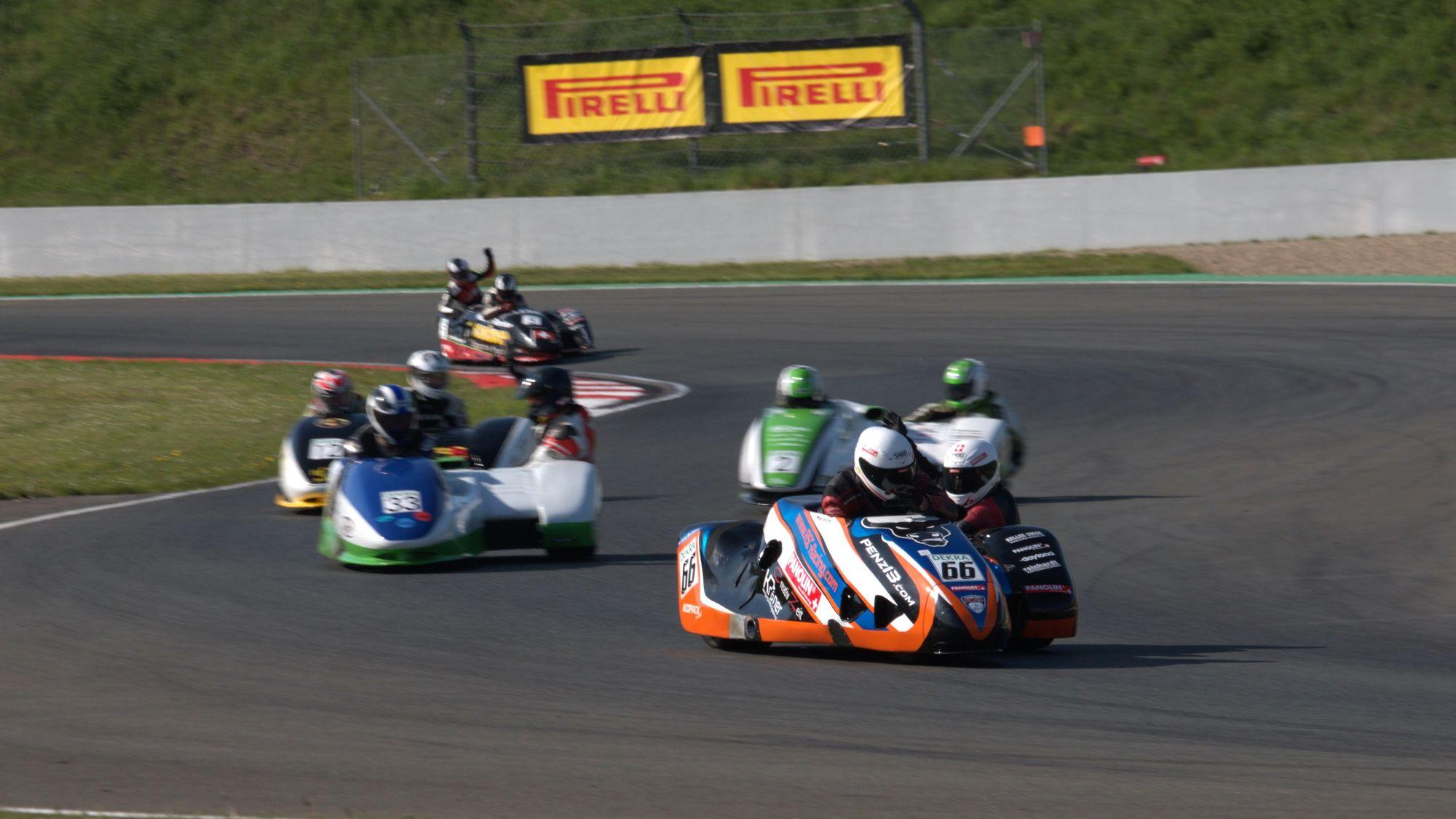 Mike Roscher und Anna Burkard - RSC-Racing Roscher-Burkard-Penz13 - IDM Sidecar