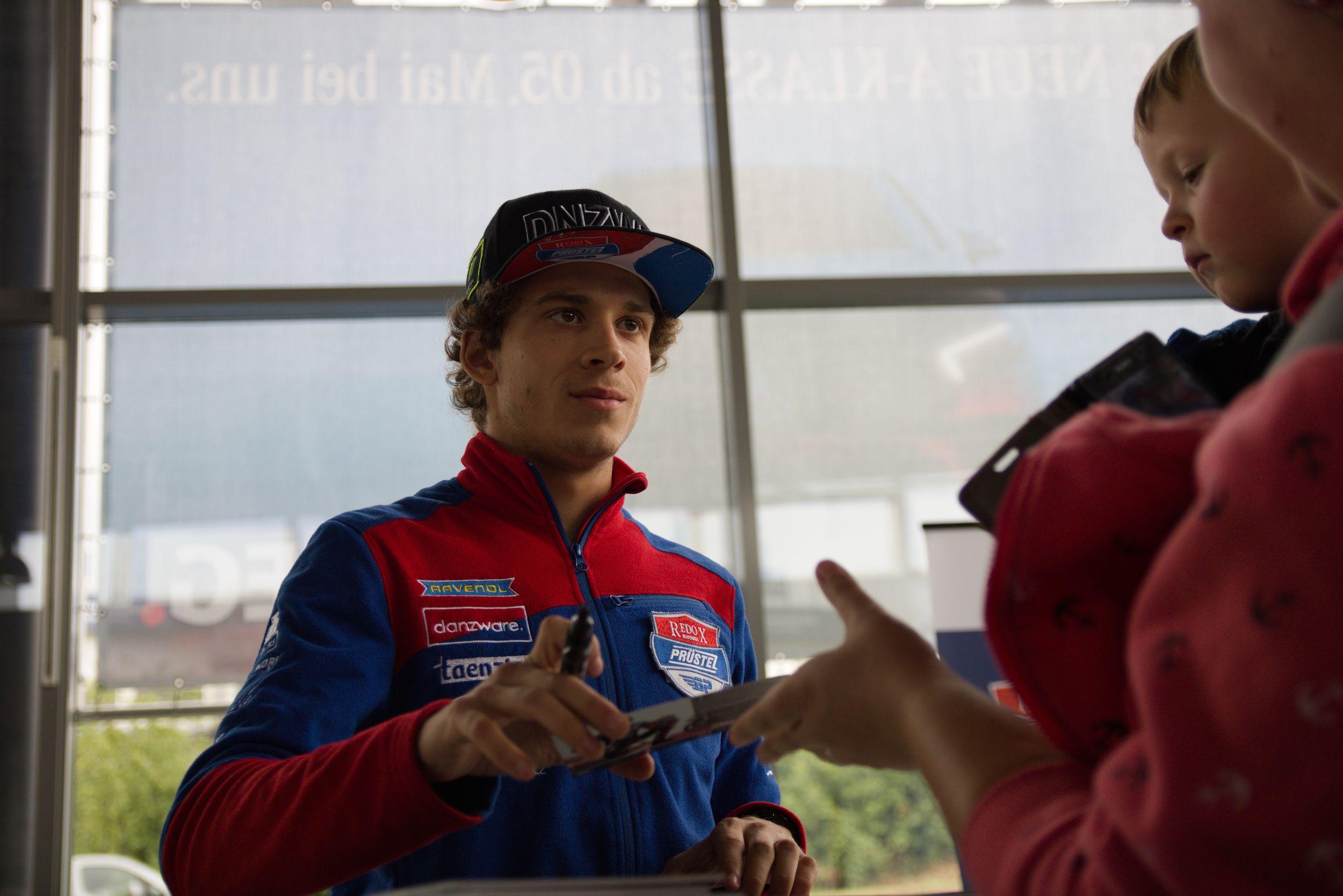 Marco Bezzecchi - PrüstelGP Autogrammstunde am Sachsenring 2018