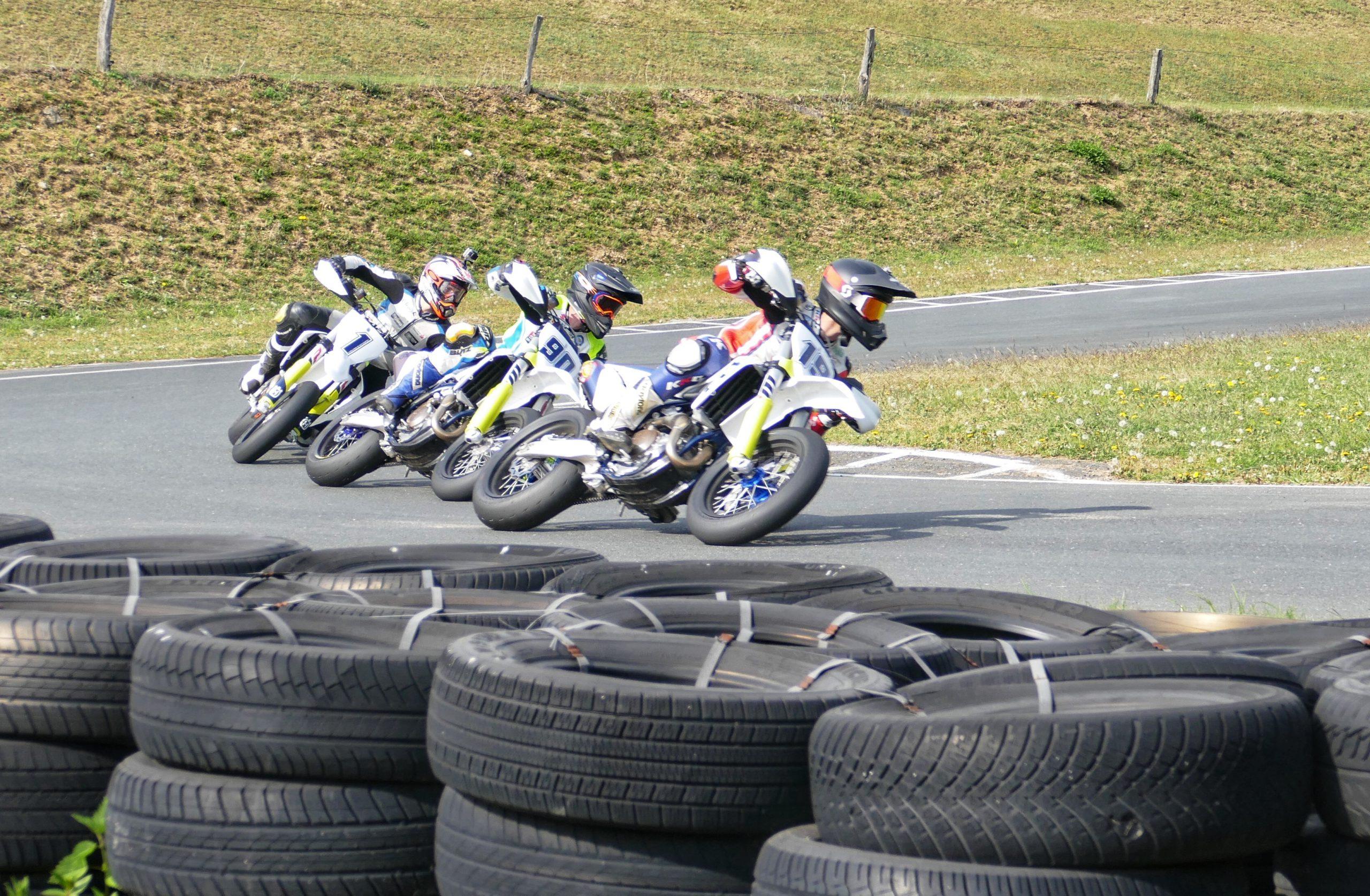 Julian Puffe und seine Rennfahrer-Kollegen haben sich's ordentlich gegeben! - Foto: ©Julian Puffe