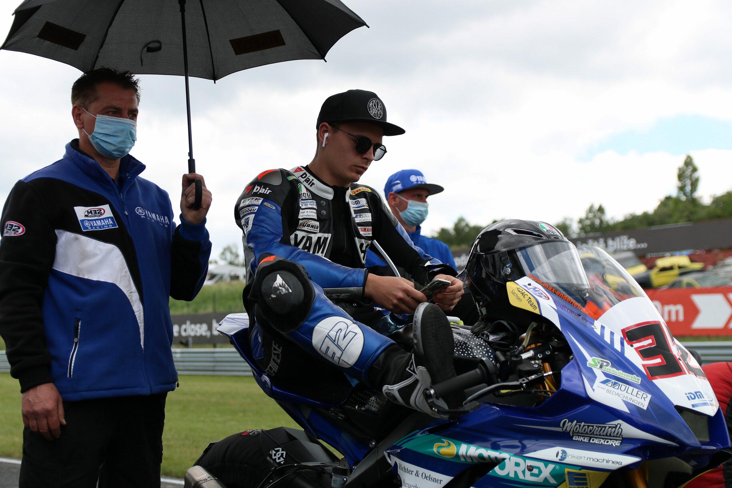 Max Enderlein (M32 Racing Team) in der Startaufstellung beim IDM-Event 2021 im tschechischen Most.